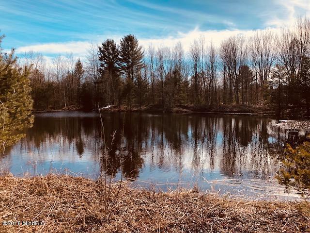 1499 N Green Creek Road, North Muskegon, MI 49445 (MLS #18051562) :: Deb Stevenson Group - Greenridge Realty