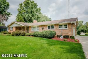 4835 Shore Drive, Coloma, MI 49038 (MLS #18051896) :: Matt Mulder Home Selling Team