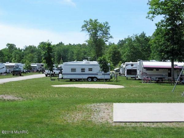 4623 W 10 1/2 Mile Road, Irons, MI 49644 (MLS #18052114) :: JH Realty Partners