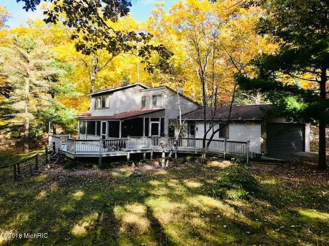 4690 Lakeshore Road, Manistee, MI 49660 (MLS #18053330) :: Deb Stevenson Group - Greenridge Realty