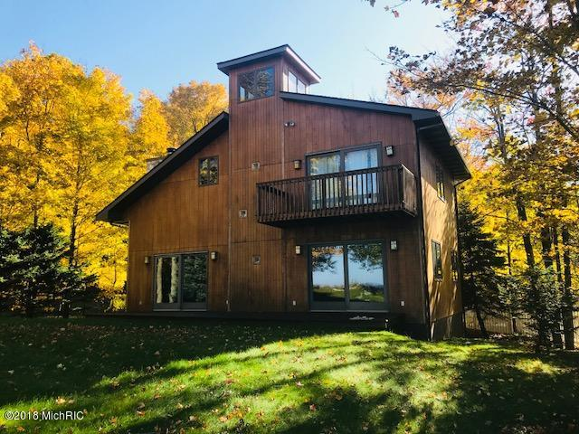 6744 Lakeshore Road, Manistee, MI 49660 (MLS #18053331) :: Deb Stevenson Group - Greenridge Realty