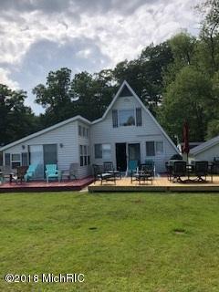 6431 Lakeshore Drive, Lakeview, MI 48850 (MLS #18053888) :: Matt Mulder Home Selling Team