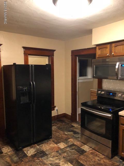 303 John Street, Union City, MI 49094 (MLS #18054534) :: Deb Stevenson Group - Greenridge Realty