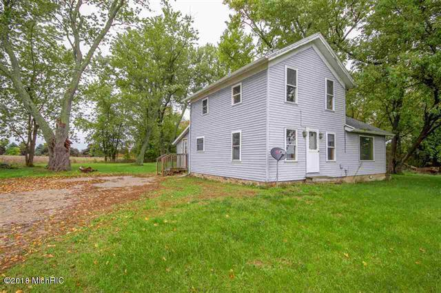 5374 E Chicago Road, Jonesville, MI 49250 (MLS #18054651) :: Deb Stevenson Group - Greenridge Realty