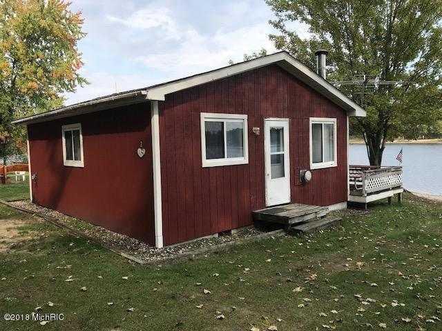 166 S Emerson Lake Drive Boat House, Branch, MI 49402 (MLS #18054657) :: CENTURY 21 C. Howard