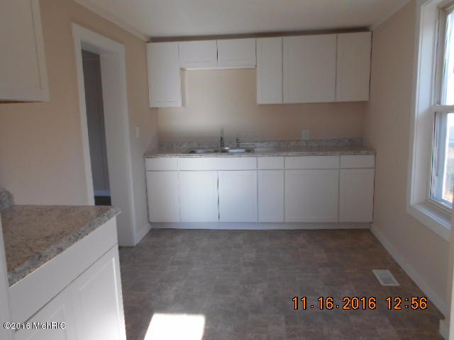 5968 W Third Street, Ludington, MI 49431 (MLS #18055815) :: Deb Stevenson Group - Greenridge Realty