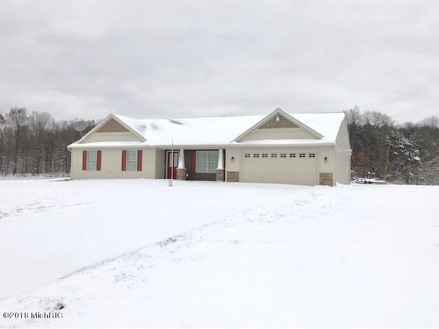 2914 Fawn Cove Avenue, Middleville, MI 49333 (MLS #18056553) :: Matt Mulder Home Selling Team
