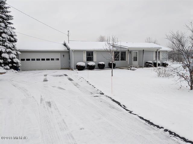 6982 Half Moon Lake Road, Jonesville, MI 49250 (MLS #18056850) :: Deb Stevenson Group - Greenridge Realty