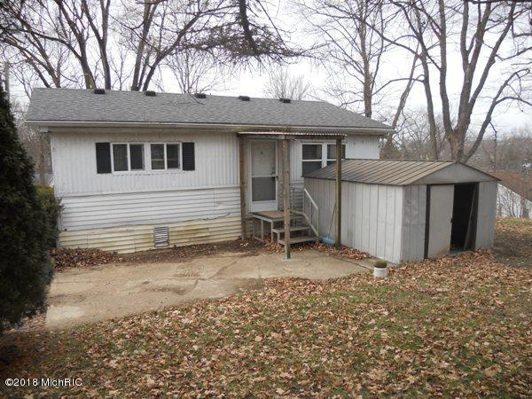 202 Clark Street, Union City, MI 49094 (MLS #18057750) :: JH Realty Partners