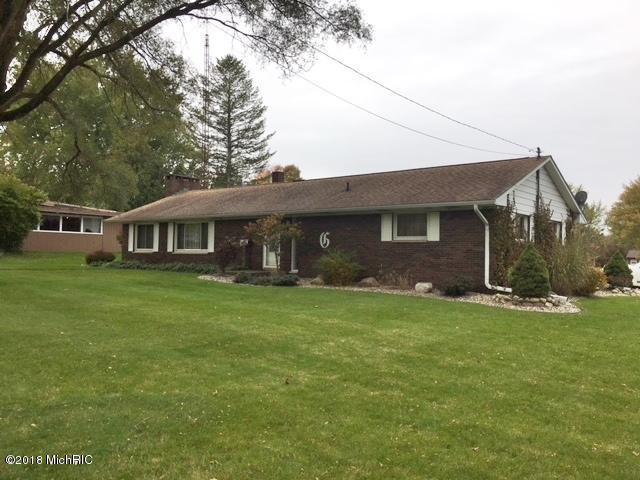 261 Edgar Street, Lakeview, MI 48850 (MLS #18057960) :: Deb Stevenson Group - Greenridge Realty