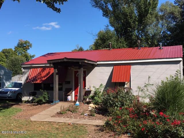 242 N Rowland Street, Cassopolis, MI 49031 (MLS #18058162) :: Matt Mulder Home Selling Team
