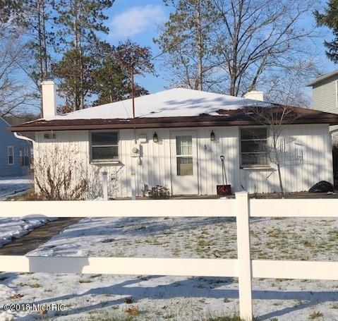 11103 Birch Park Drive, Stanwood, MI 49346 (MLS #18058200) :: Matt Mulder Home Selling Team
