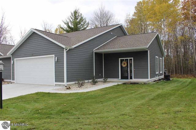 126 Davidsen Shores Drive #12, Cadillac, MI 49601 (MLS #18058315) :: Deb Stevenson Group - Greenridge Realty