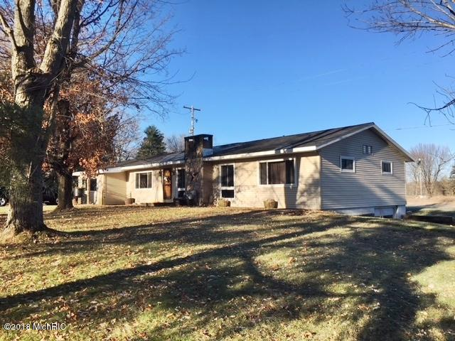 805 N Lincoln Avenue, Lakeview, MI 48850 (MLS #18058749) :: Matt Mulder Home Selling Team