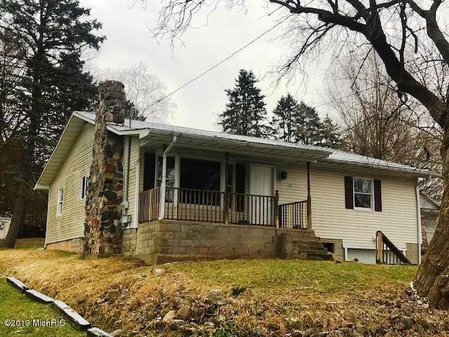 618 Batson Street, Ionia, MI 48846 (MLS #19000782) :: Matt Mulder Home Selling Team