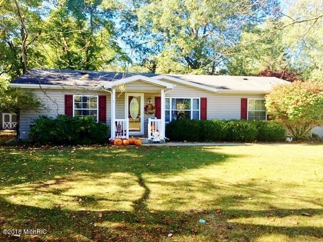420 S Harrison Street, New Buffalo, MI 49117 (MLS #19001726) :: Matt Mulder Home Selling Team