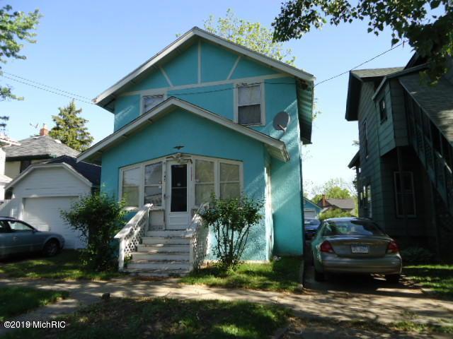 742 Mccourtie Street, Kalamazoo, MI 49008 (MLS #19001967) :: Matt Mulder Home Selling Team