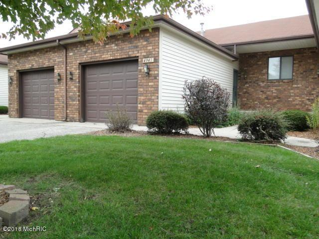 4941 Summergreen Run #215, Hudsonville, MI 49426 (MLS #19002575) :: Deb Stevenson Group - Greenridge Realty