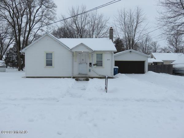 218 S Ruggles Street, Bronson, MI 49028 (MLS #19003886) :: Deb Stevenson Group - Greenridge Realty