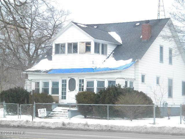 120 E Sherman Boulevard, Muskegon Heights, MI 49444 (MLS #19006203) :: Matt Mulder Home Selling Team