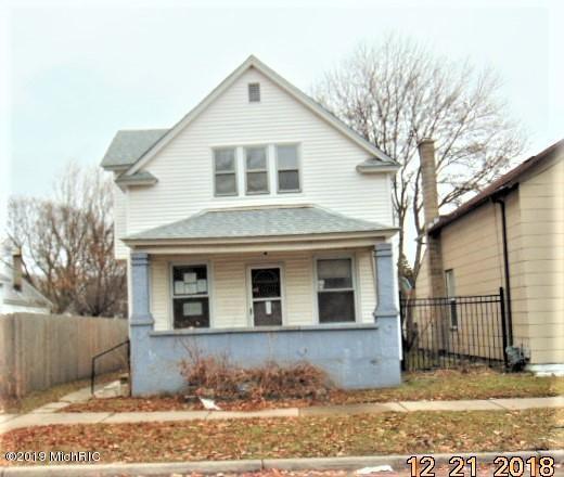 1050 White Avenue NW, Grand Rapids, MI 49504 (MLS #19006364) :: CENTURY 21 C. Howard