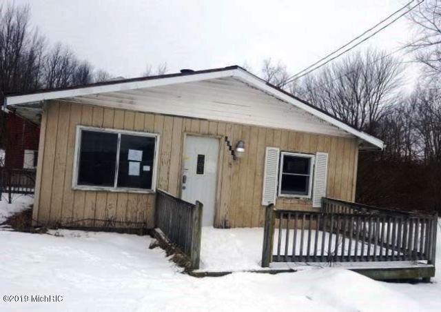 62410 S Shore Drive, Vandalia, MI 49095 (MLS #19006520) :: Matt Mulder Home Selling Team