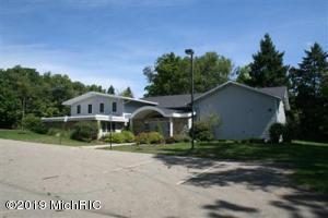 3315 W Michigan Avenue, Kalamazoo, MI 49006 (MLS #19007451) :: CENTURY 21 C. Howard