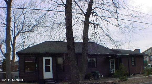 1352 Spring Street, Muskegon, MI 49442 (MLS #19010508) :: Deb Stevenson Group - Greenridge Realty