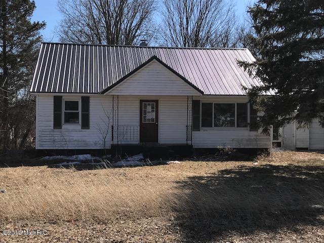 8859 E Loop Road, Hesperia, MI 49421 (MLS #19011699) :: Matt Mulder Home Selling Team