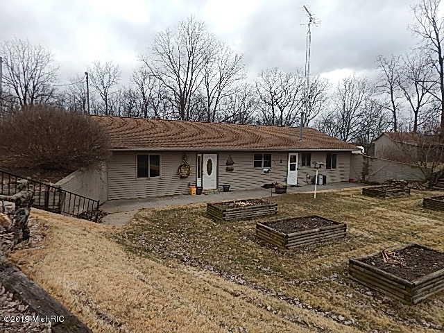 2925 Waldron Road, North Adams, MI 49262 (MLS #19012246) :: CENTURY 21 C. Howard