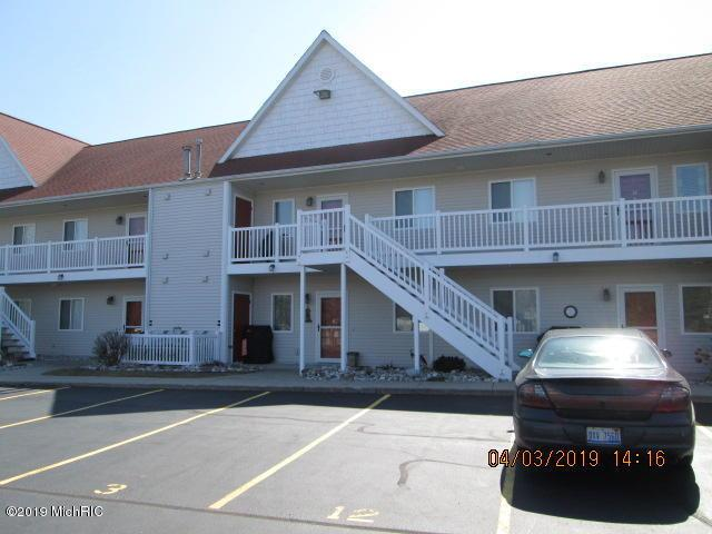 1 Lake Street #12, Pentwater, MI 49449 (MLS #19012452) :: Deb Stevenson Group - Greenridge Realty