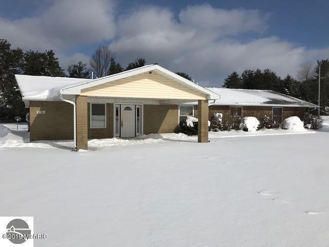4110 W Houghton Lake Road, Lake City, MI 49651 (MLS #19012534) :: Matt Mulder Home Selling Team