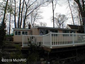 12219 Gilmore Point, Plainwell, MI 49080 (MLS #19013068) :: Deb Stevenson Group - Greenridge Realty