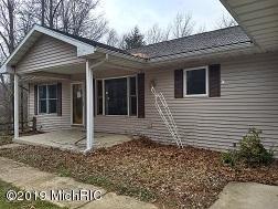 4636 Poplar Lane, Vicksburg, MI 49097 (MLS #19013651) :: Matt Mulder Home Selling Team