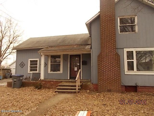 504 N Clay Street, Sturgis, MI 49091 (MLS #19013705) :: Matt Mulder Home Selling Team