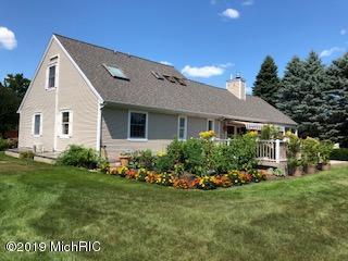 320 Petrie Road, Cadillac, MI 49601 (MLS #19013820) :: Matt Mulder Home Selling Team
