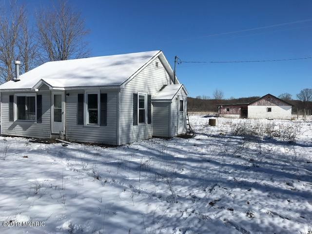 9206 Glovers Lake Rd Road, Bear Lake, MI 49614 (MLS #19014483) :: Matt Mulder Home Selling Team