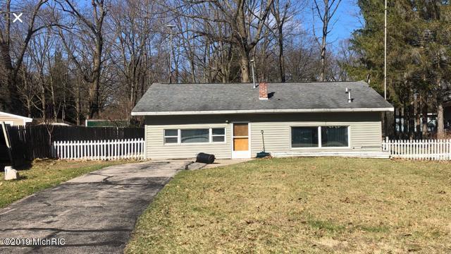 11681 Robin Drive, Lakeview, MI 48850 (MLS #19014719) :: Matt Mulder Home Selling Team