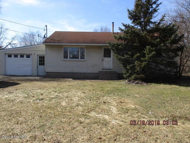 3325 Bertha Bee Street, Muskegon, MI 49444 (MLS #19014826) :: Matt Mulder Home Selling Team