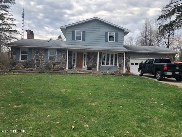 1603 22 Mile Road, Homer, MI 49245 (MLS #19014956) :: Matt Mulder Home Selling Team