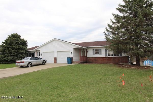 6714 /6716 Pleasantview Drive NE, Rockford, MI 49341 (MLS #19014961) :: Deb Stevenson Group - Greenridge Realty