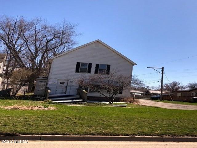 223 W St Joseph Street, Watervliet, MI 49098 (MLS #19015385) :: Matt Mulder Home Selling Team
