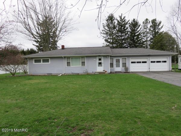 660 N Union City Road, Coldwater, MI 49036 (MLS #19015741) :: Matt Mulder Home Selling Team