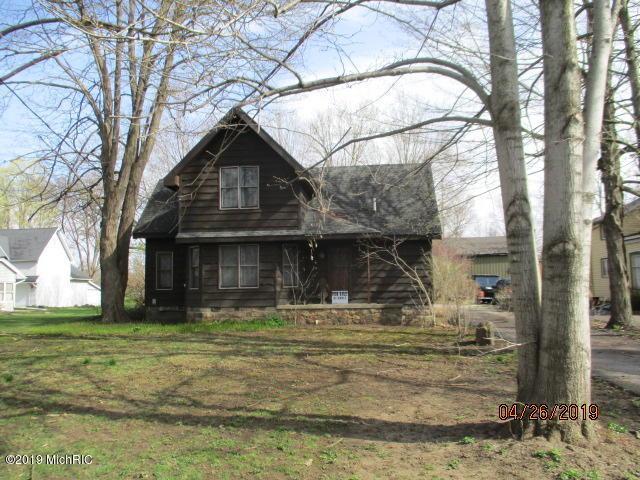 606 W Capital Avenue, Bellevue, MI 49021 (MLS #19016815) :: Deb Stevenson Group - Greenridge Realty