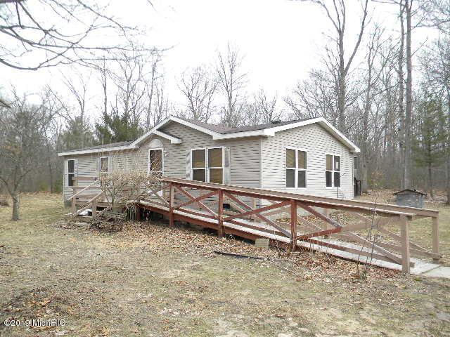 1551 E Wilke Road, Rothbury, MI 49452 (MLS #19018379) :: CENTURY 21 C. Howard