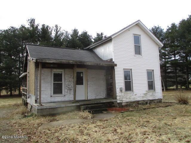 14156 E W Avenue, Fulton, MI 49052 (MLS #19018745) :: Matt Mulder Home Selling Team