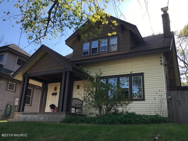 417 Rosewood Avenue SE, Grand Rapids, MI 49506 (MLS #19020515) :: JH Realty Partners