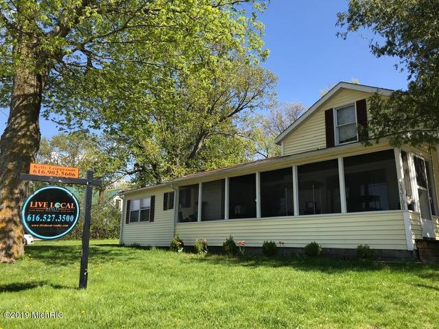 13108 Grand River Drive SE, Lowell, MI 49331 (MLS #19020903) :: Matt Mulder Home Selling Team