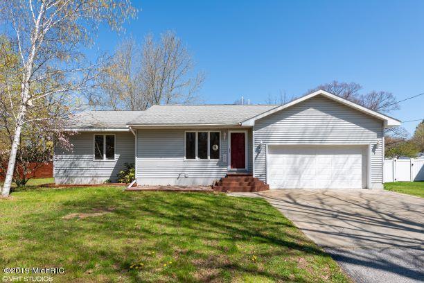 282 Bridge Street, Fruitport, MI 49415 (MLS #19021349) :: Matt Mulder Home Selling Team