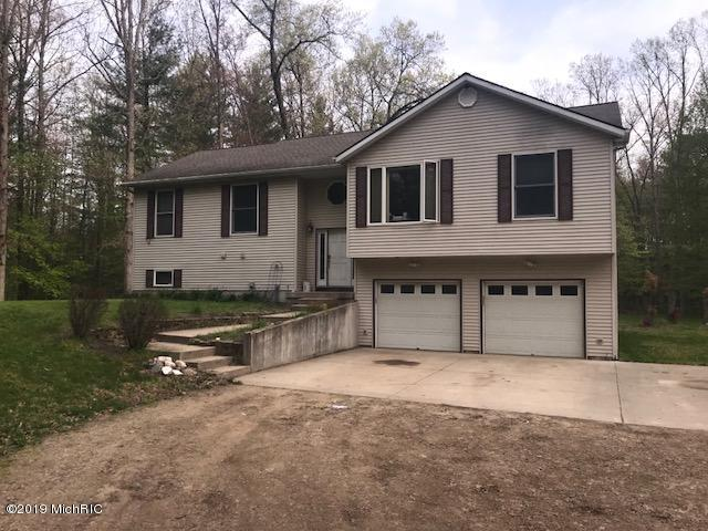 5465 Liland Trace, Fennville, MI 49408 (MLS #19021678) :: Matt Mulder Home Selling Team